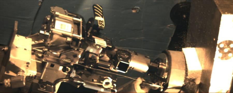 La colonne de direction est filmée au cours du crash, le logiciel NV1000 calcule la vitesse et l'accélération de l'écrasement.